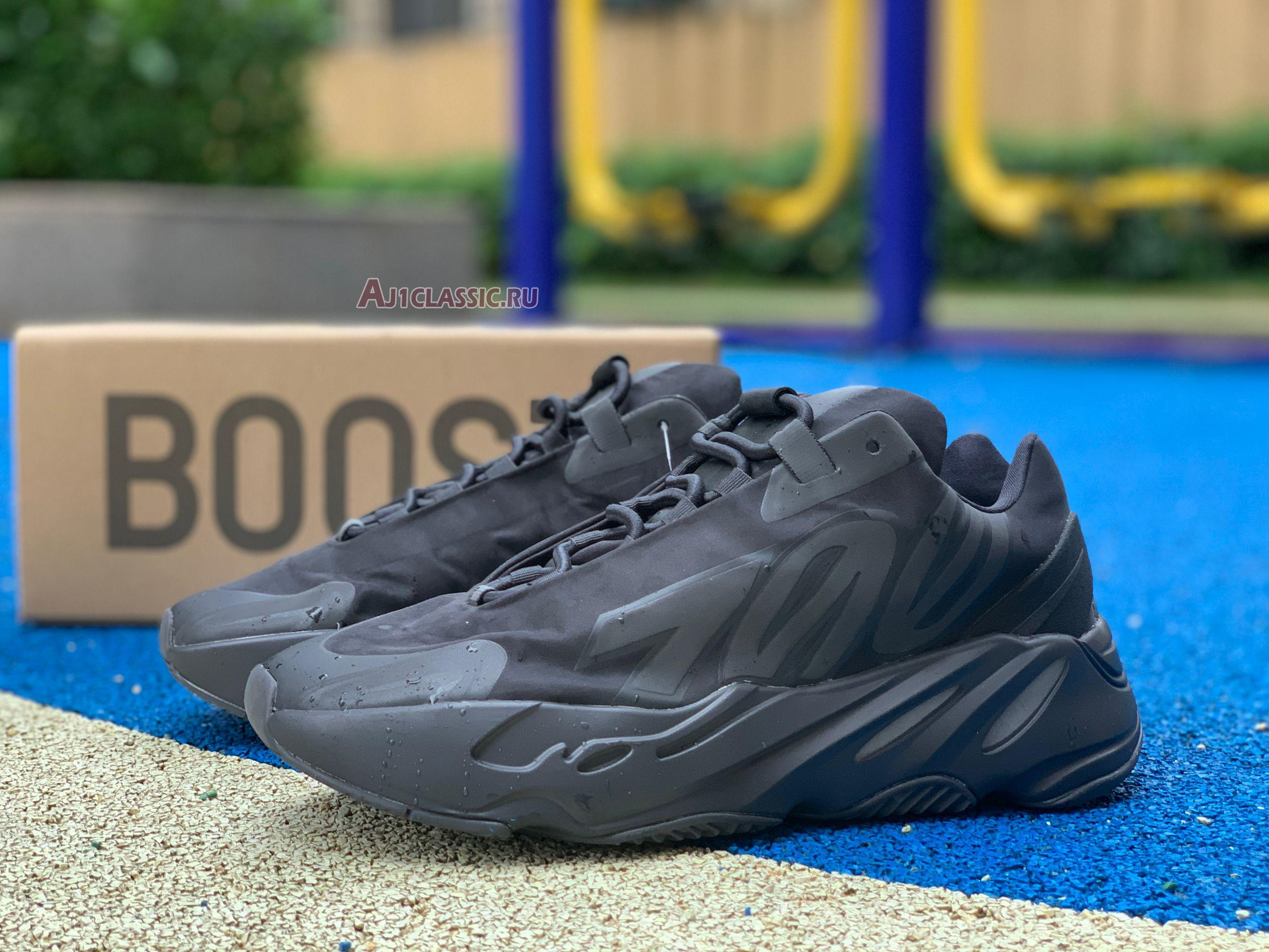 "Adidas Yeezy Boost 700 MNVN ""Triple Black"" FV4440"