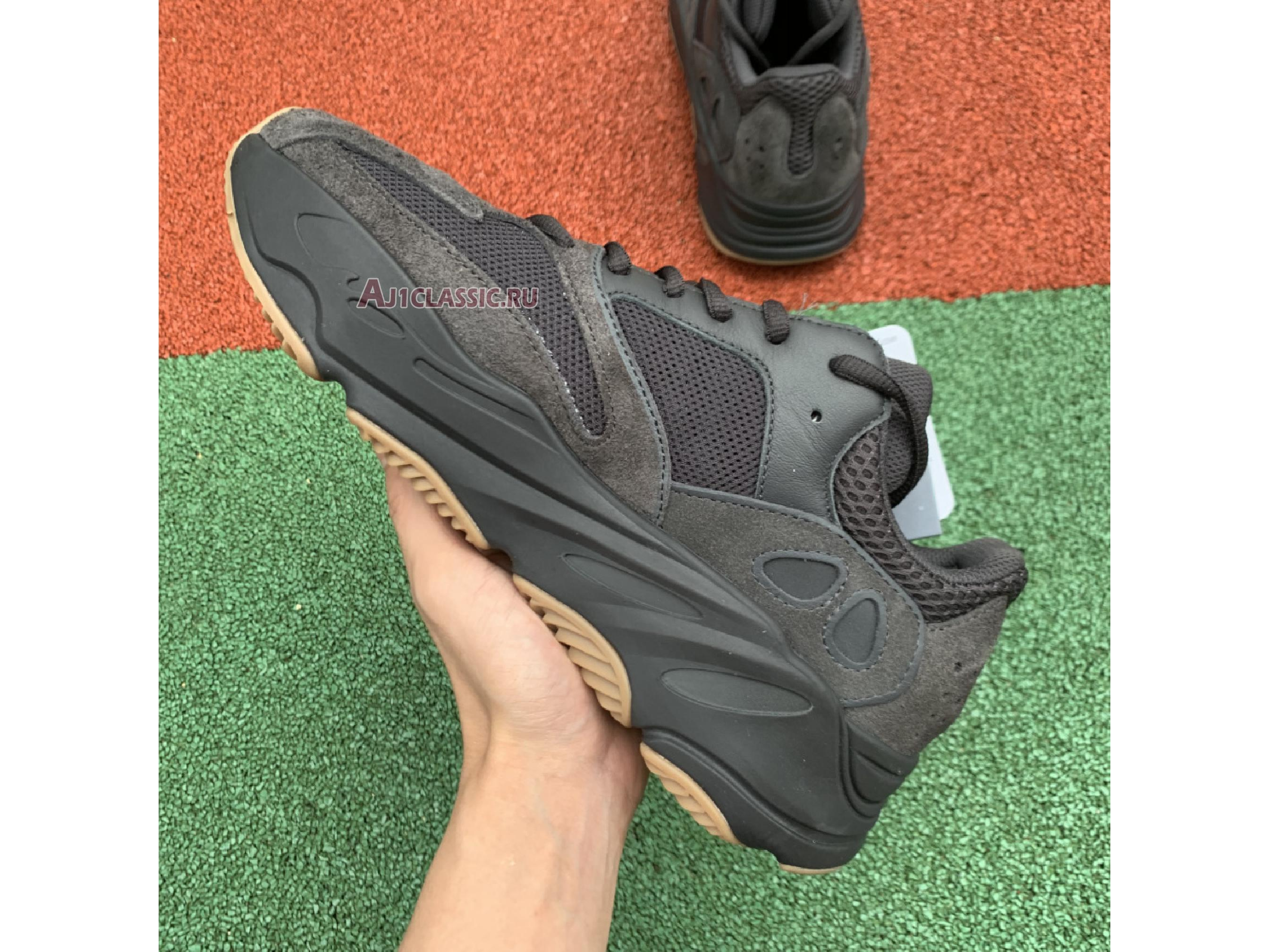 """Adidas Yeezy Boost 700 """"Utility Black"""" FV5304"""