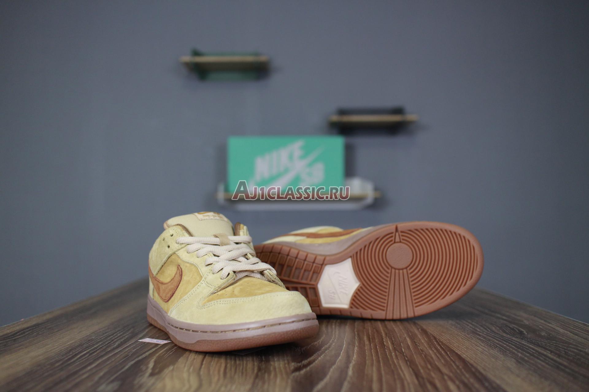 "Nike SB Dunk Low ""Reverse Reese Forbes Wheat"" 883232-700"