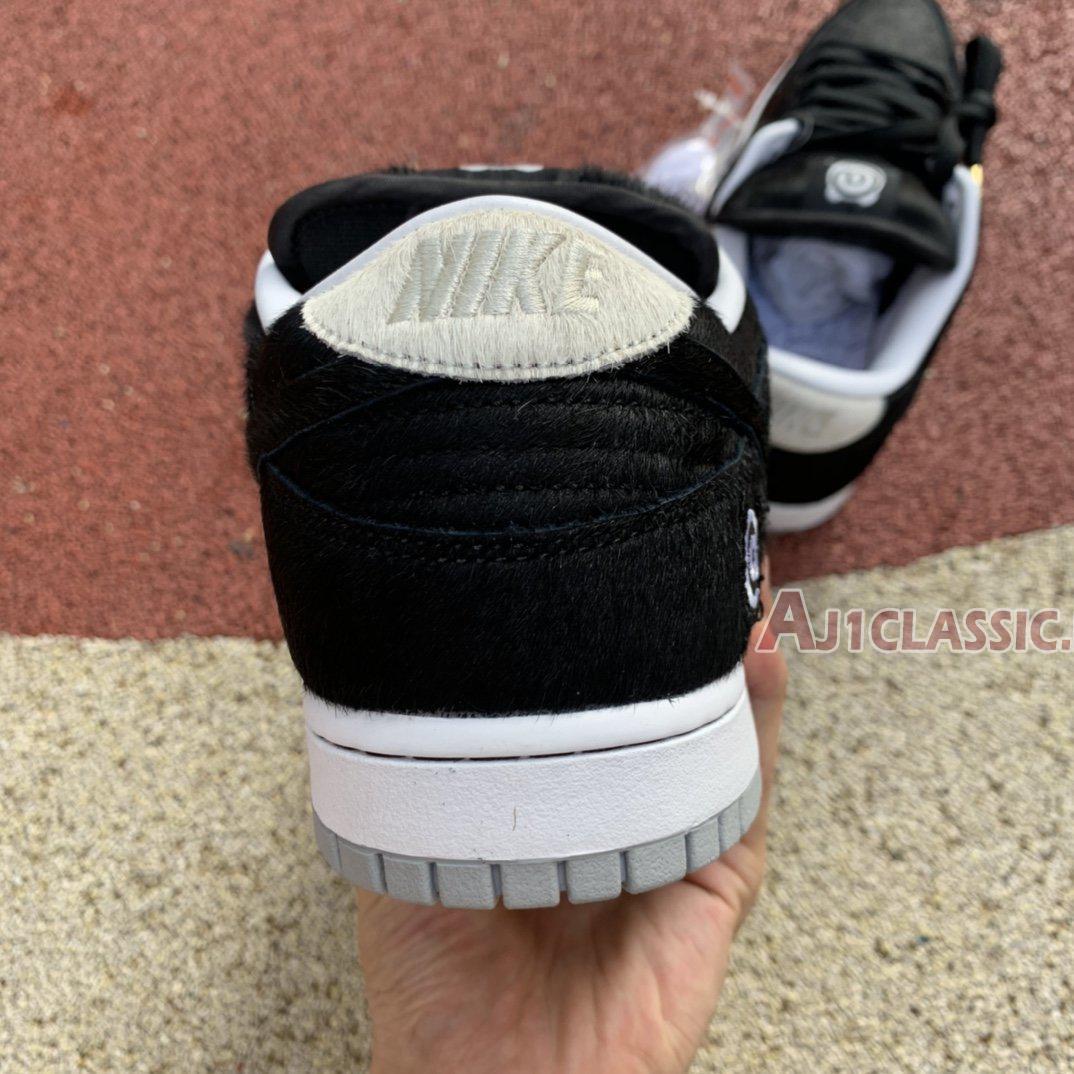 """Medicom Toy x Nike SB Dunk Low """"BE@RBRICK"""" CZ5127-001"""