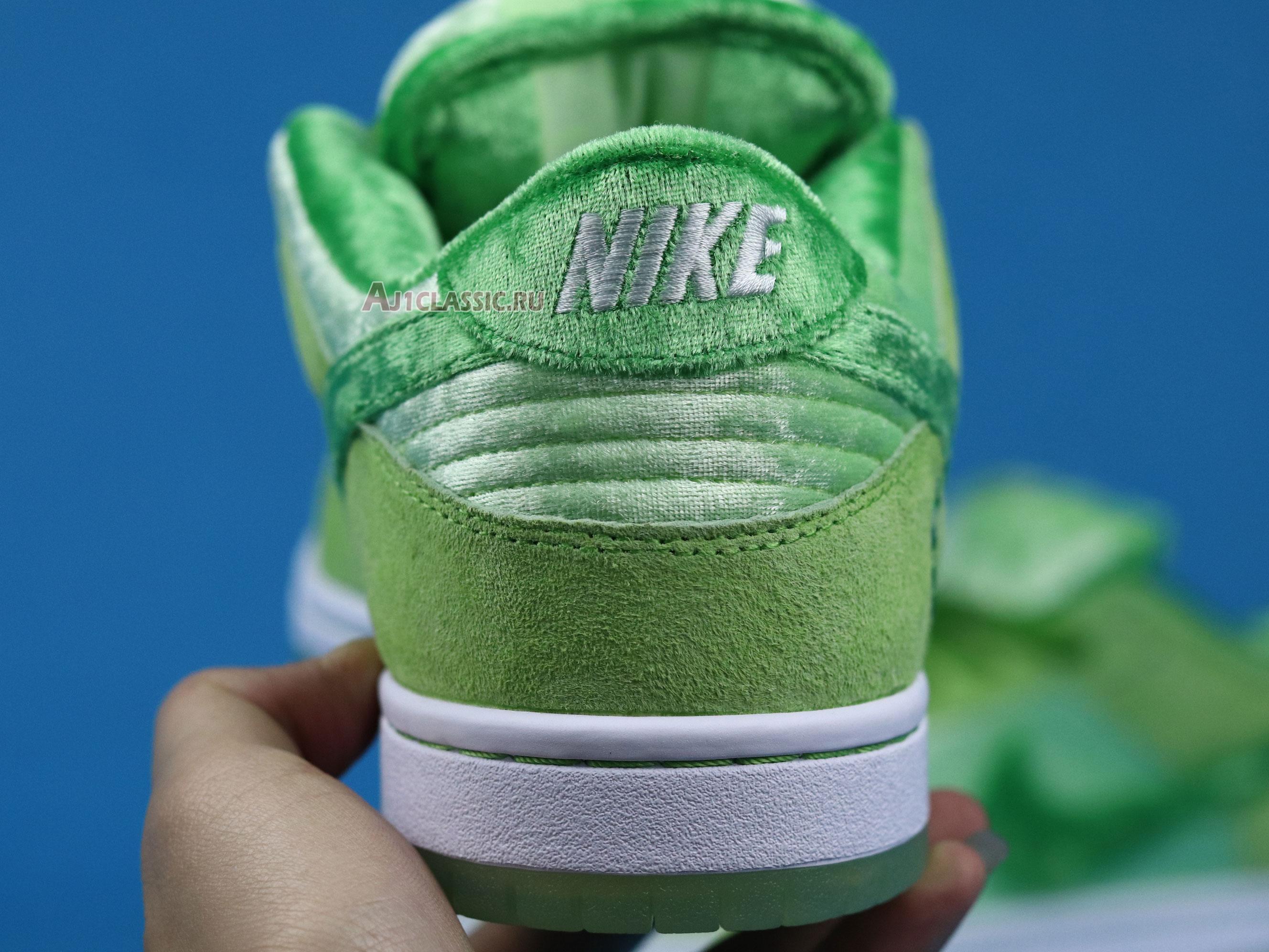 "Nike StrangeLove x Dunk Low SB ""Green Beans Valentines Day"" CT2552-300"