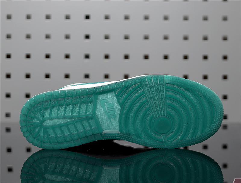 """Air Jordan 1 Mid """"Mystic Green"""" CD6759-103"""
