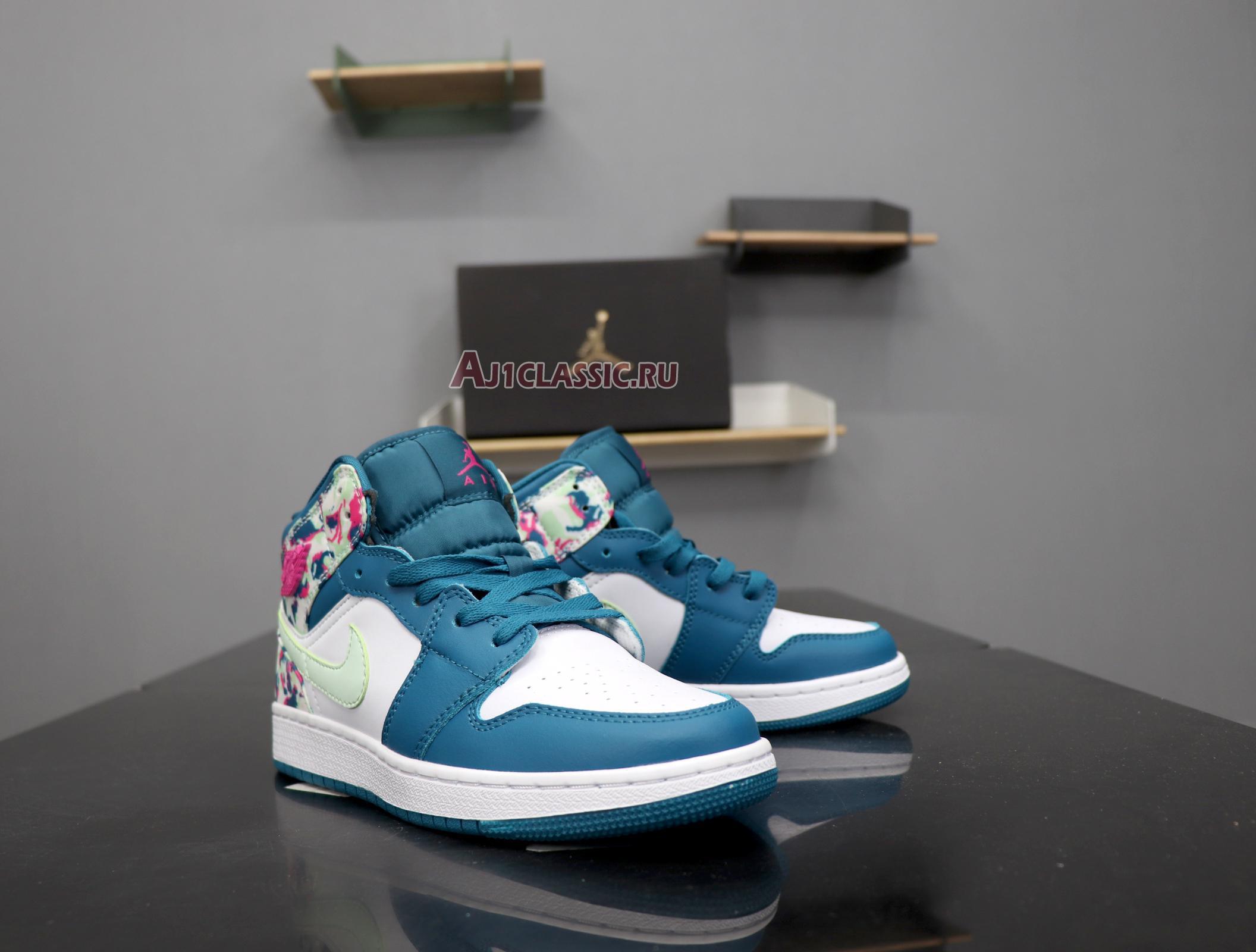 """Air Jordan 1 Mid GS """"Paint Stroke"""" 555112-300"""