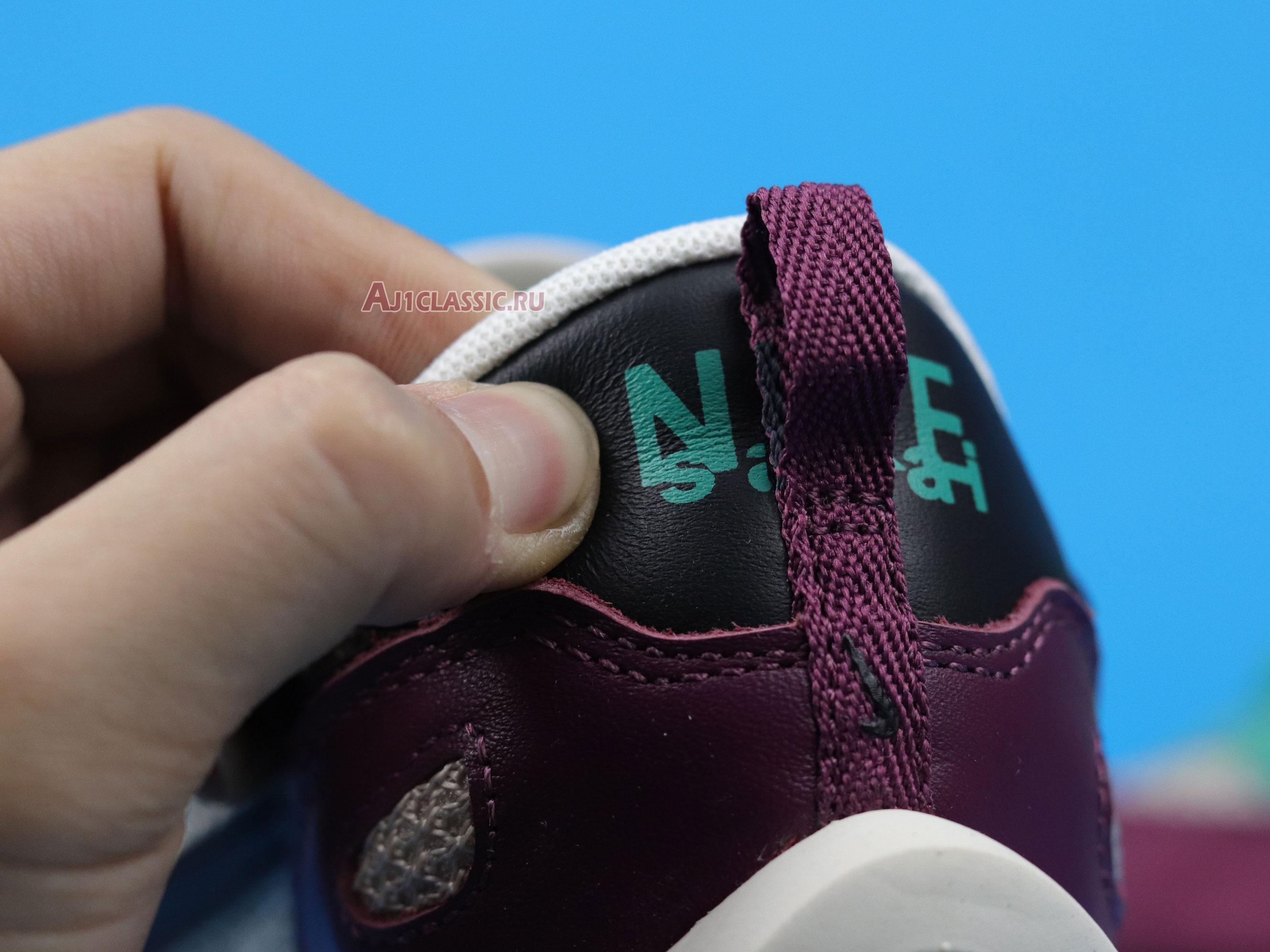 "Sacai x Nike VaporWaffle SP ""Villain Red"" DD3035-200"